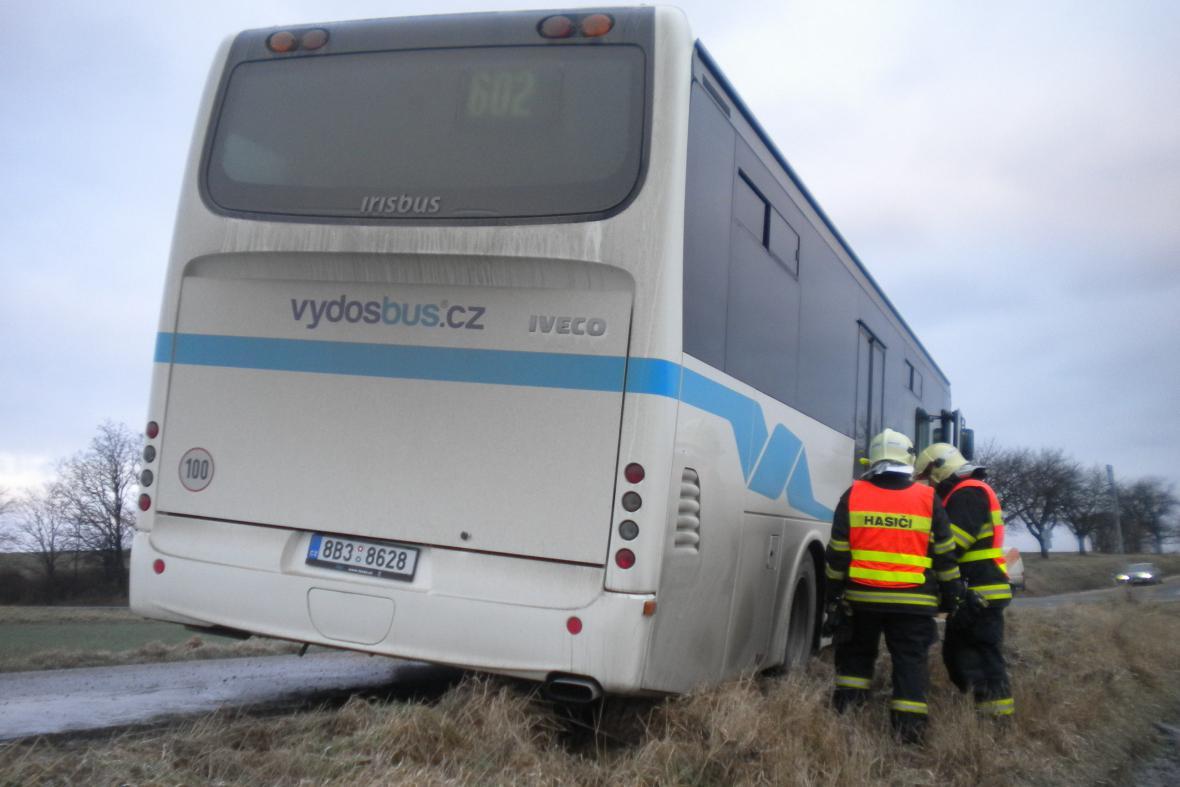 Ranní nehoda autobusu