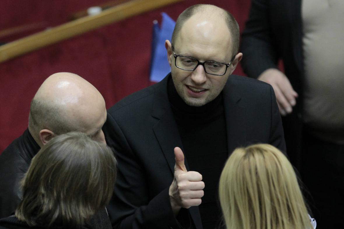 Ukrajinský opoziční předák Arsenij Jacenňuk