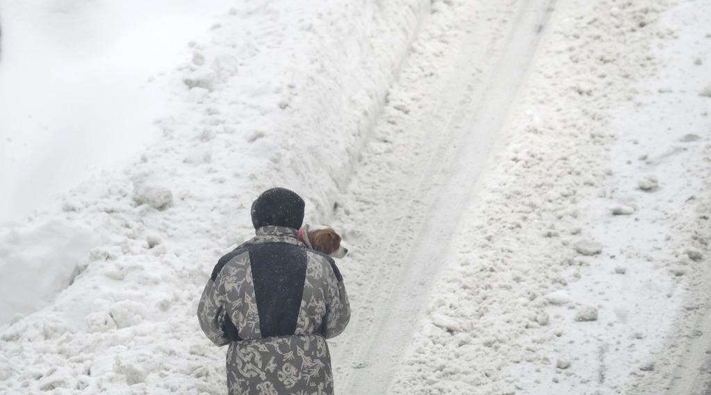 Jihovýchod Evropy se potýká s návaly sněhu a silným mrazem