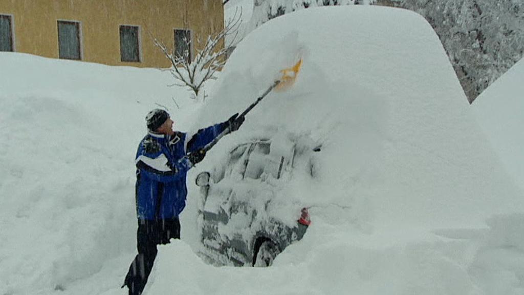 Metr nového sněhu za 24 hodin zaskočil i zkušené Rakušany