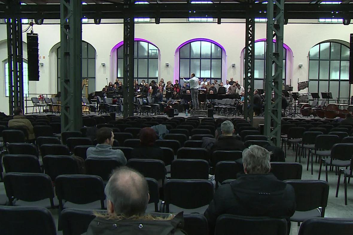 Filharmonie v Richard Adam Gallery