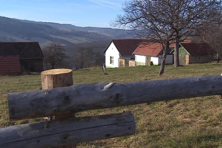 Dnes v obci žijí asi dvě stovky obyvatel