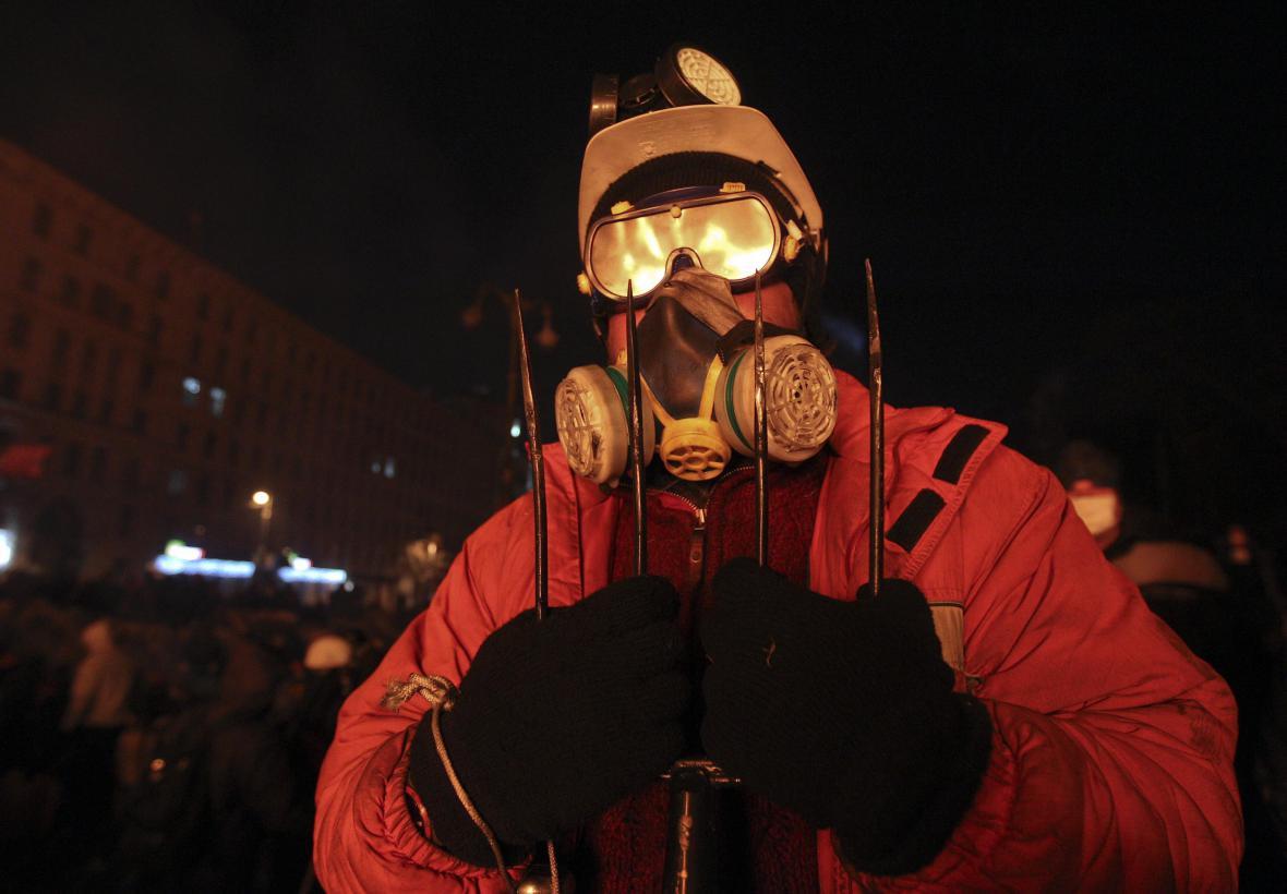 Protivládní demonstrant v Kyjevě