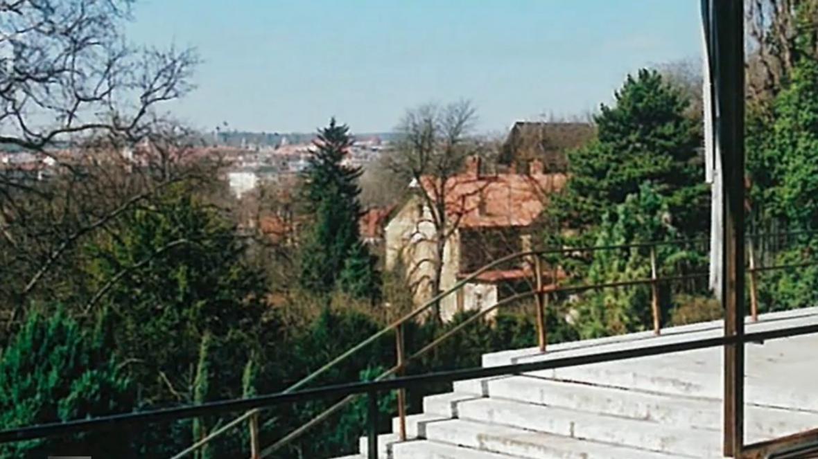 Arnoldova vila v sousedství slavné vily Tugendhat
