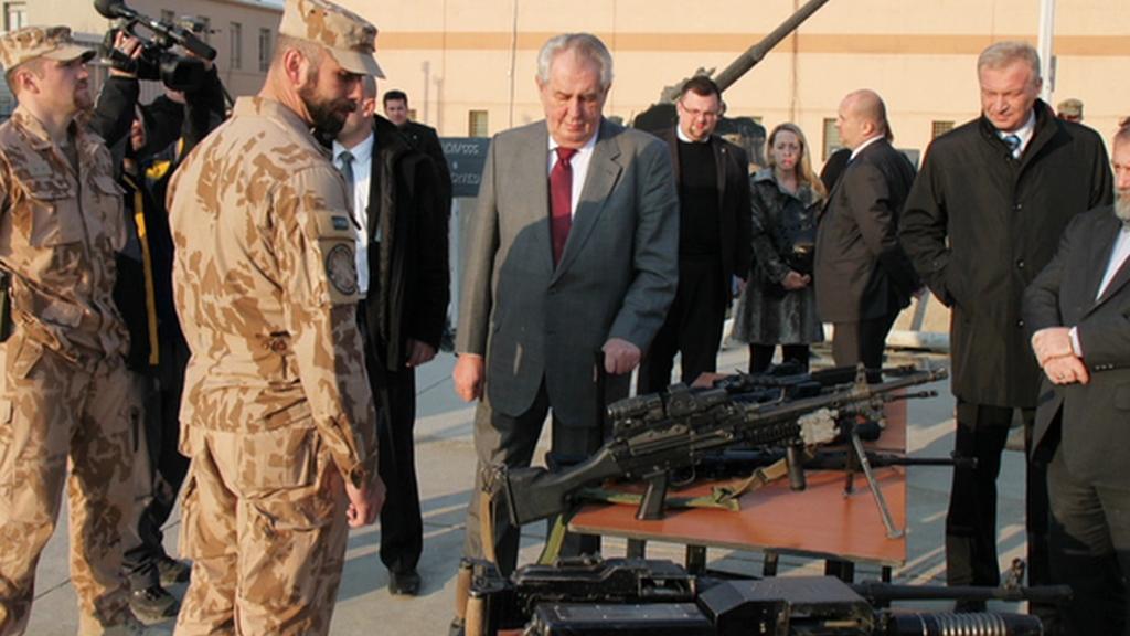 Zeman přijel za vojáky do Afghánistánu
