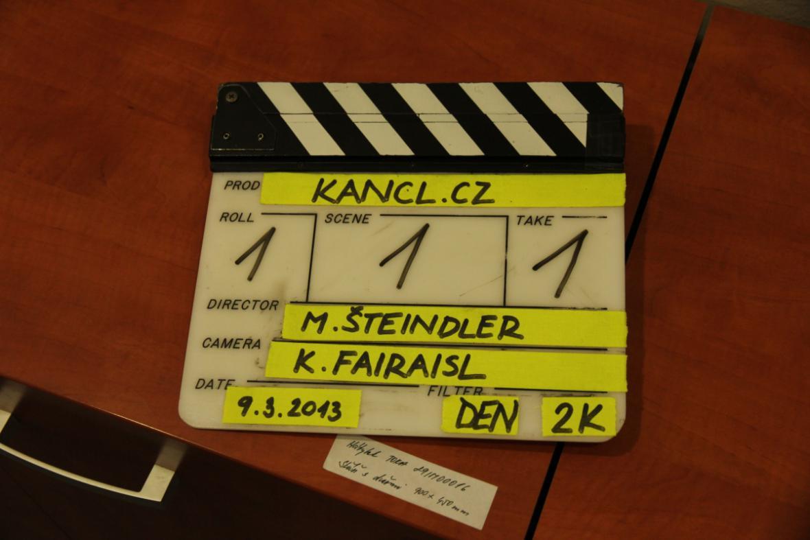 První klapka seriálu Kancl