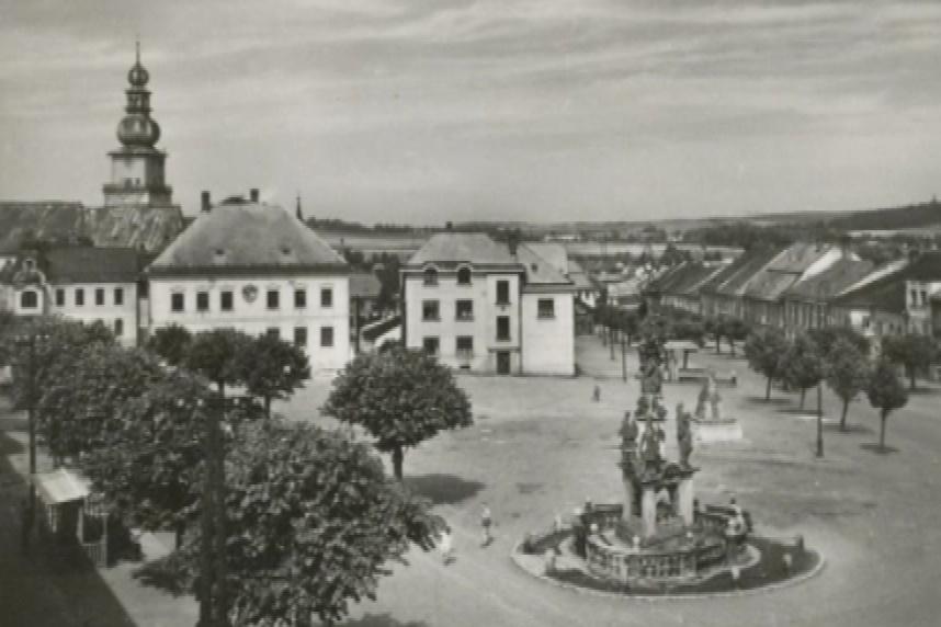 Historická podoba náměstí Republiky