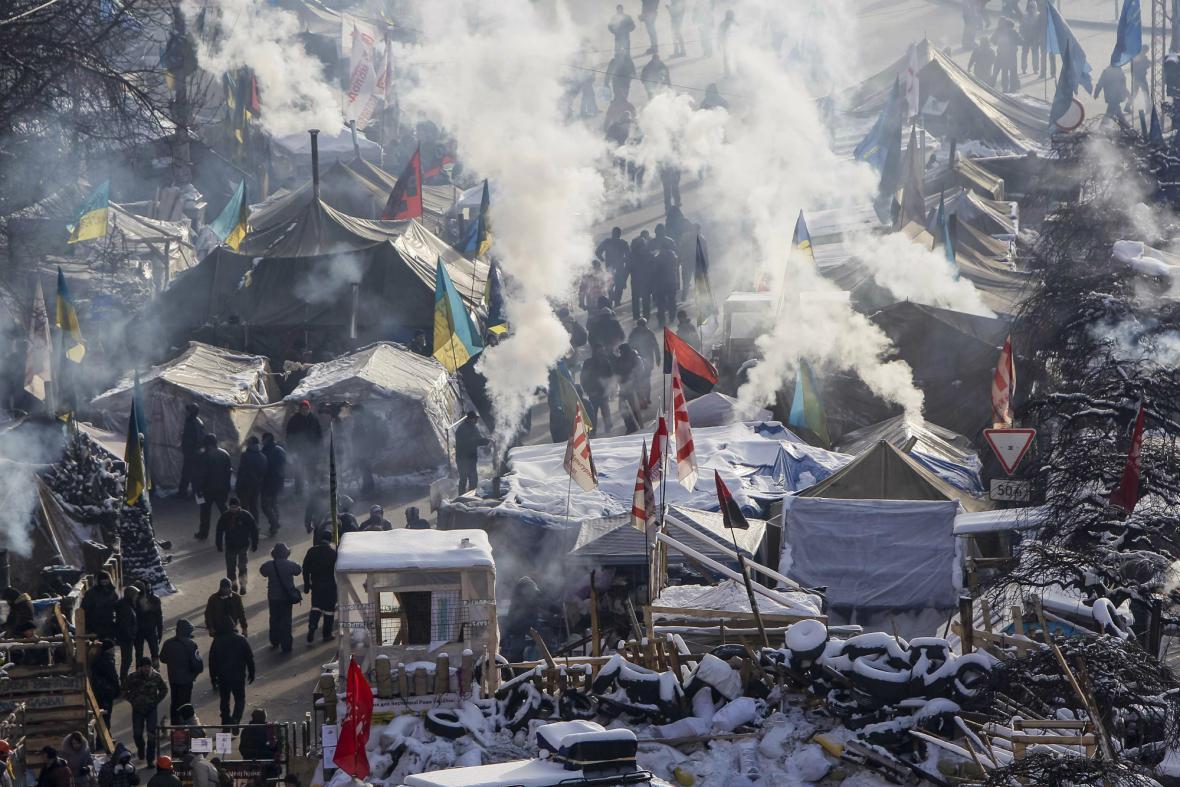 Tábor opozičních demonstrantů v centru Kyjeva