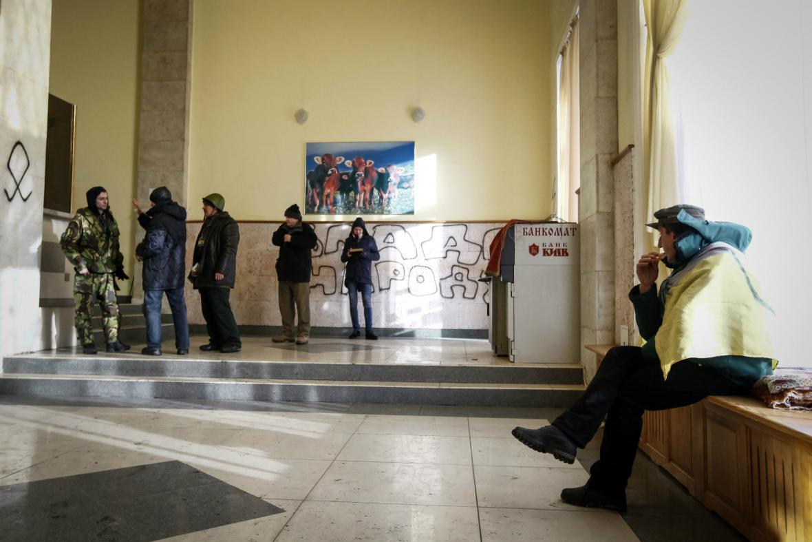 Protivládní demonstranti v kyjevském sídle ministerstva zemědělství