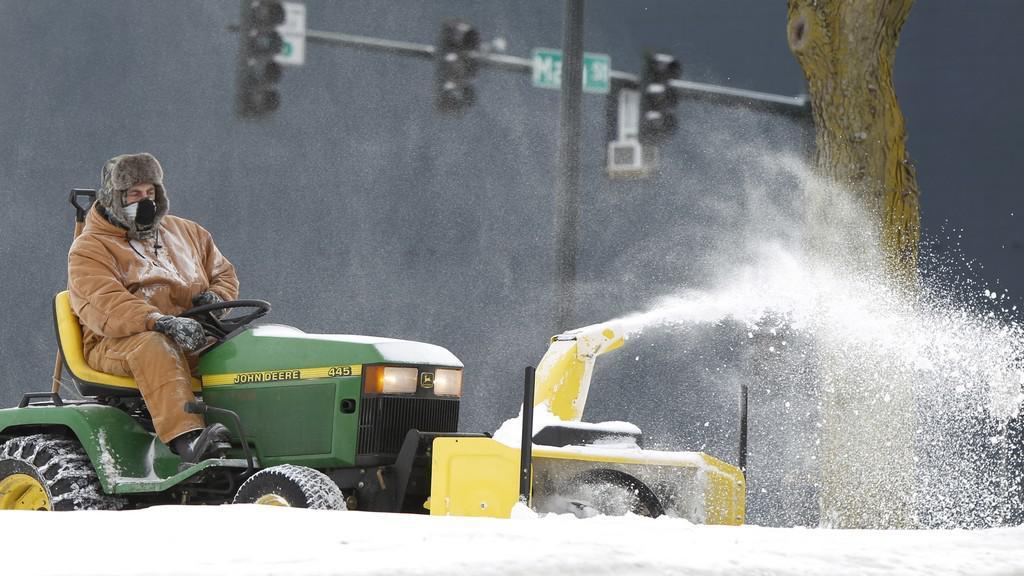 USA zasáhla další sněhová kalamita a mrazy