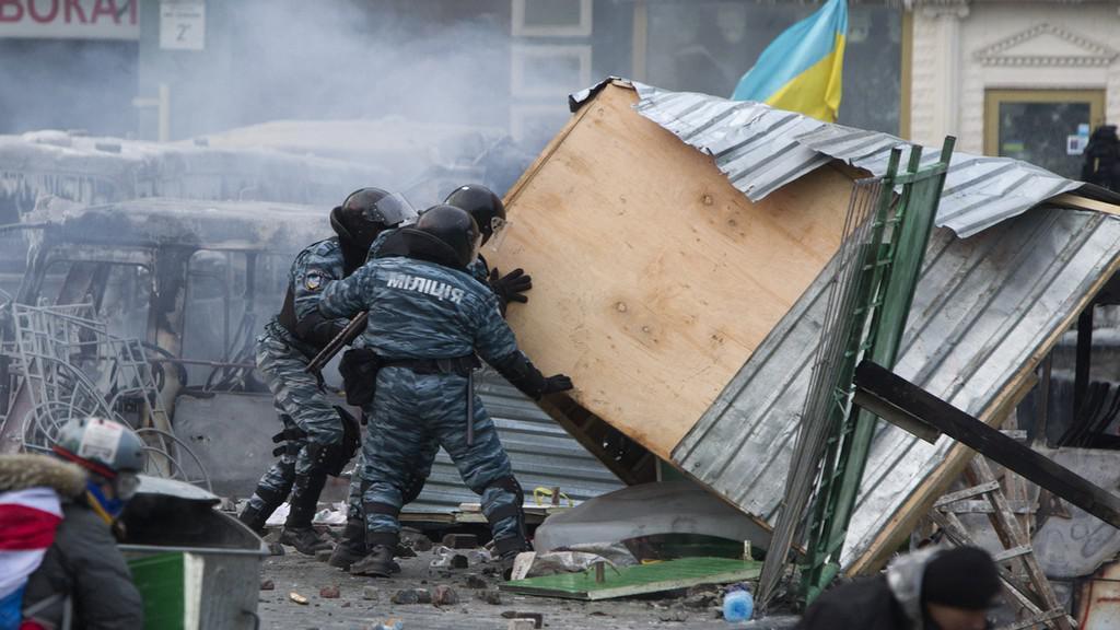 Srážky demonstrantů s policií v Kyjevě