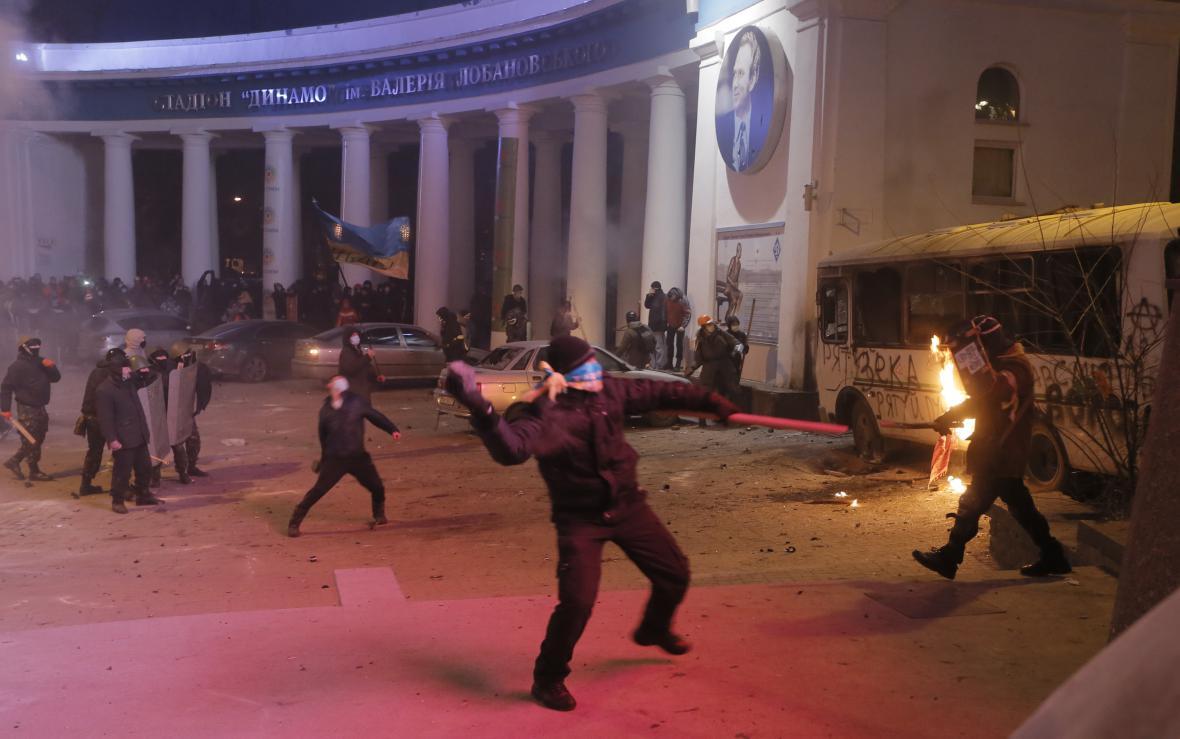 Střety demonstrantů s policií v Kyjevě