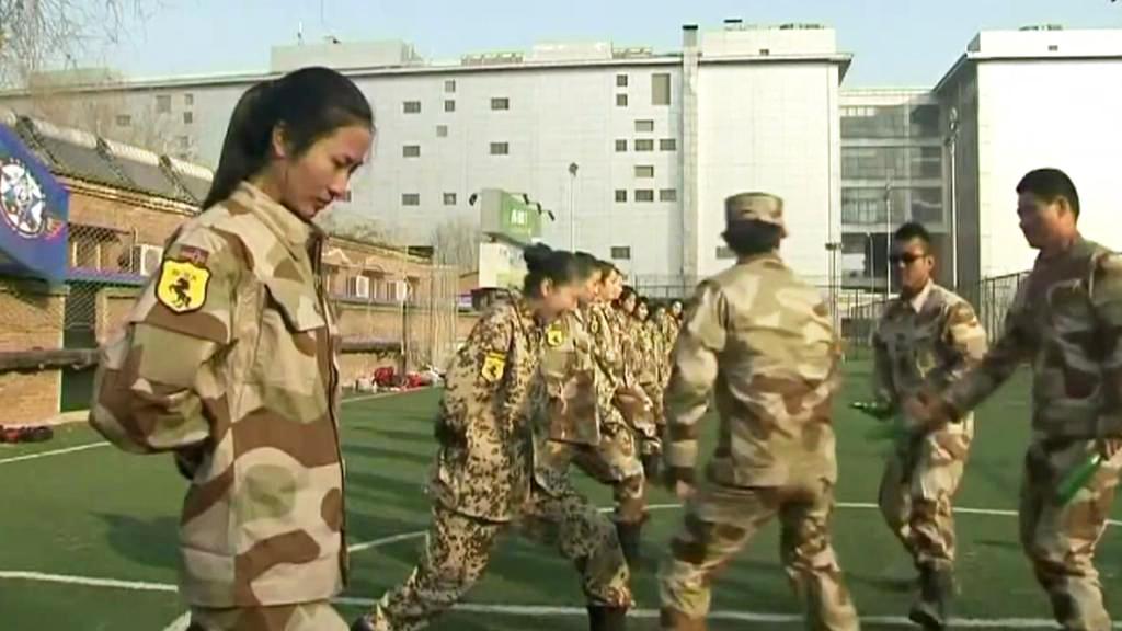 Výcvik čínských bodyguardek