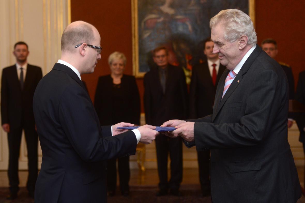Bohuslav Sobotka se stal premiérem