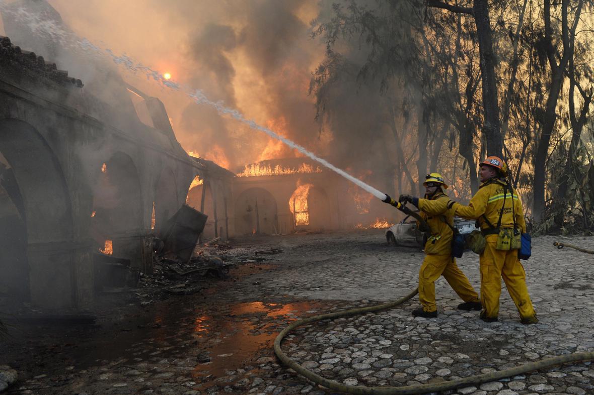 Požáry v kalifornské Glendoře