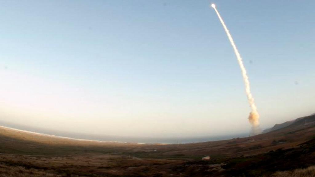 Interkontinentální balistická raketa
