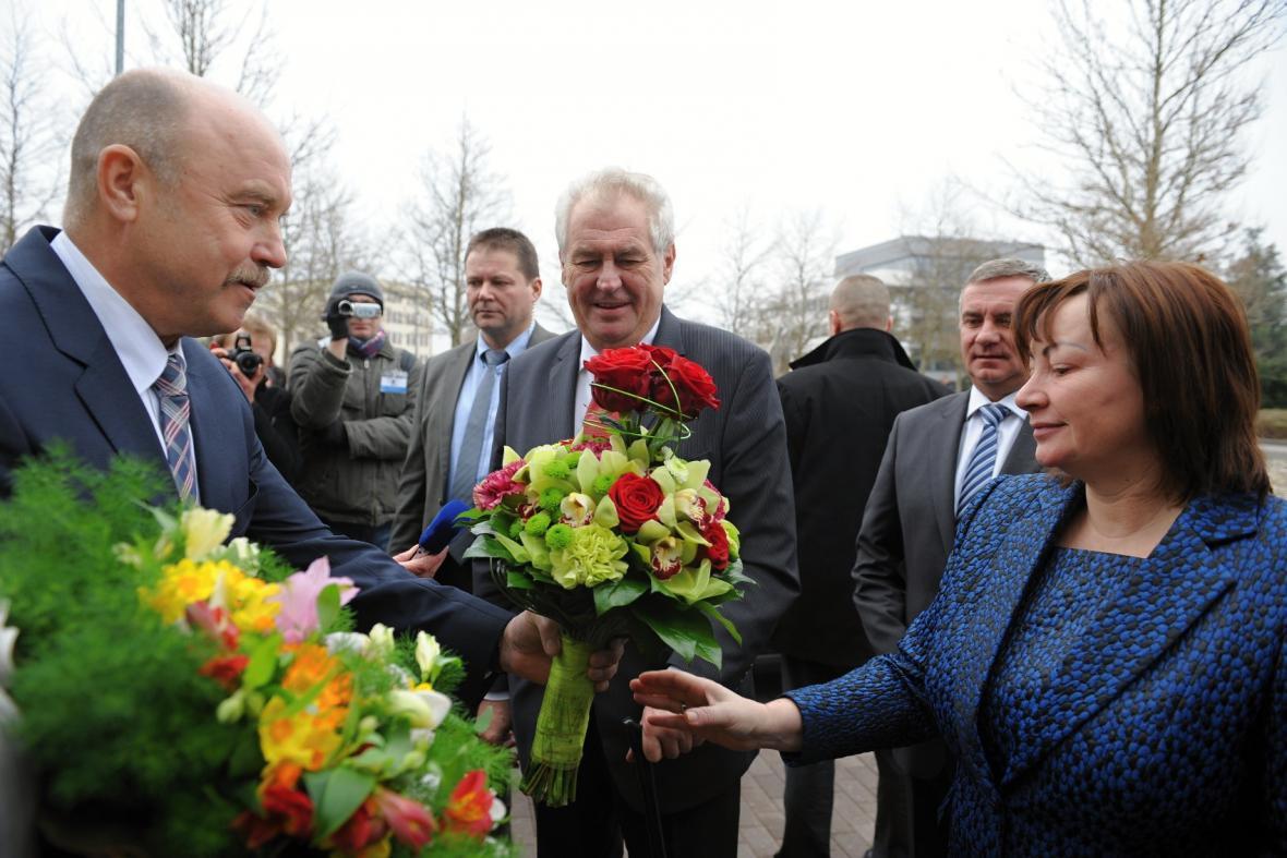 Miloš Zeman s manželkou Ivanou navštívil Karlovarský kraj