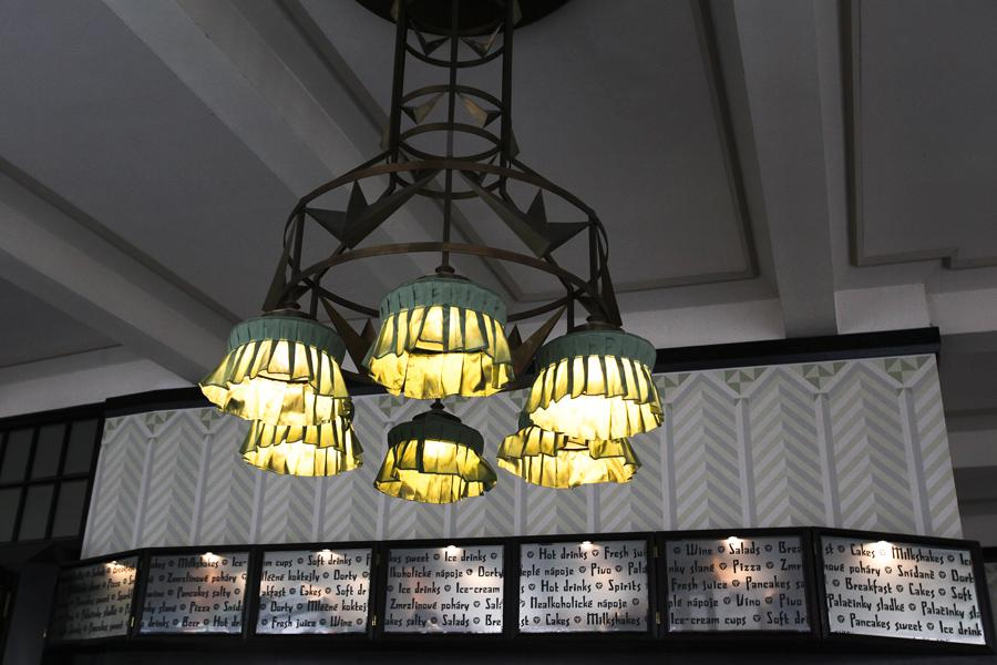 Interiér kavárny Grand Café Orient