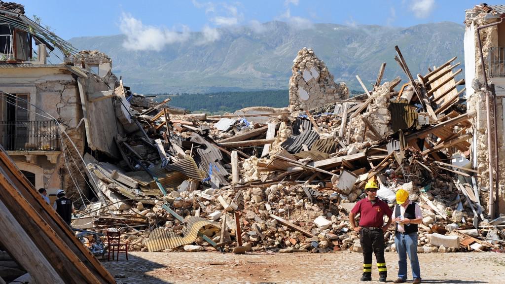 Důsledky zemětřesení v Aquile