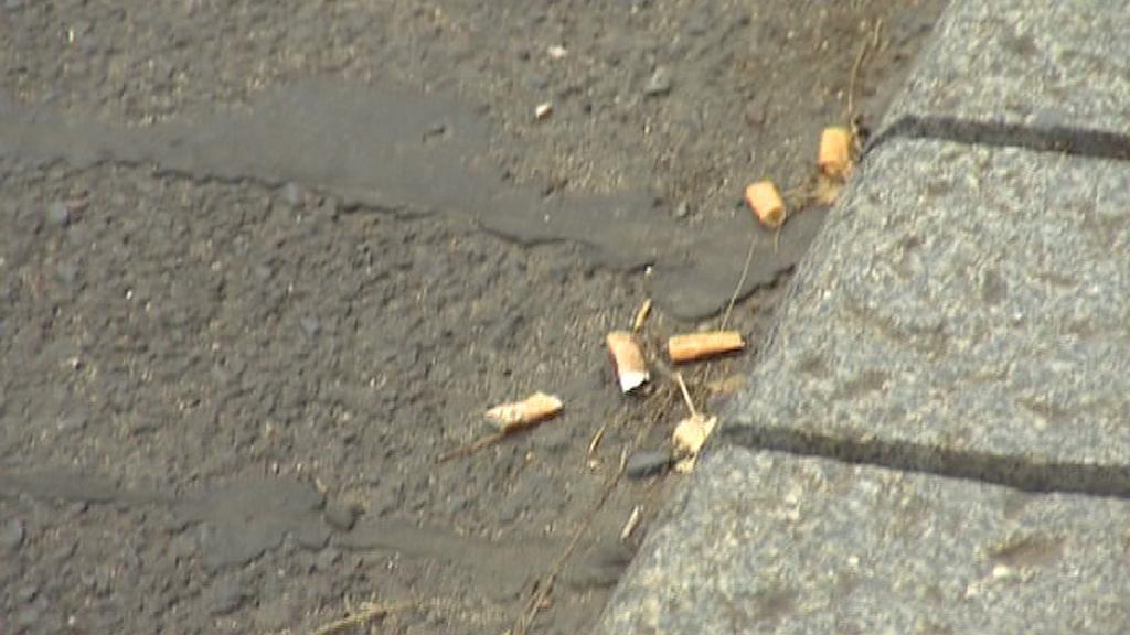 Odhozené nedopalky cigaret