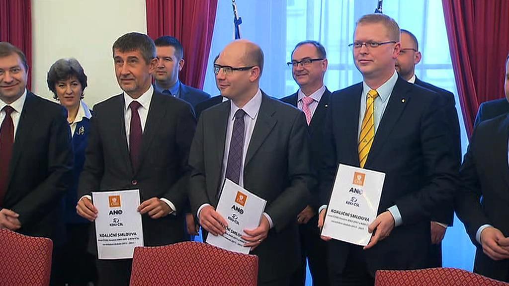 Lídři s koaliční smlouvou