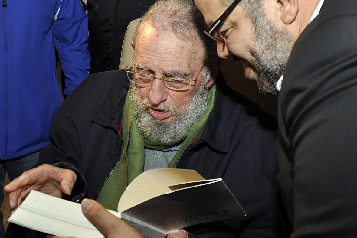 Fidel Castro se znovu objevil na veřejnosti