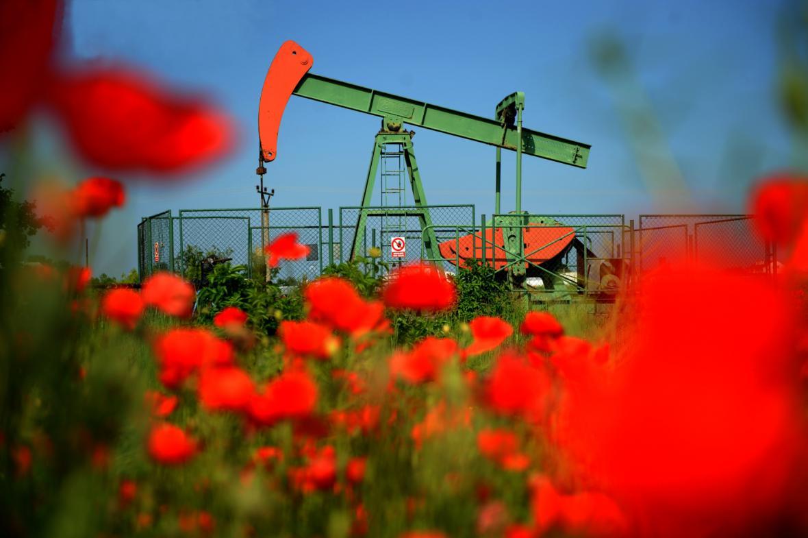 Těžba ropy na Moravě