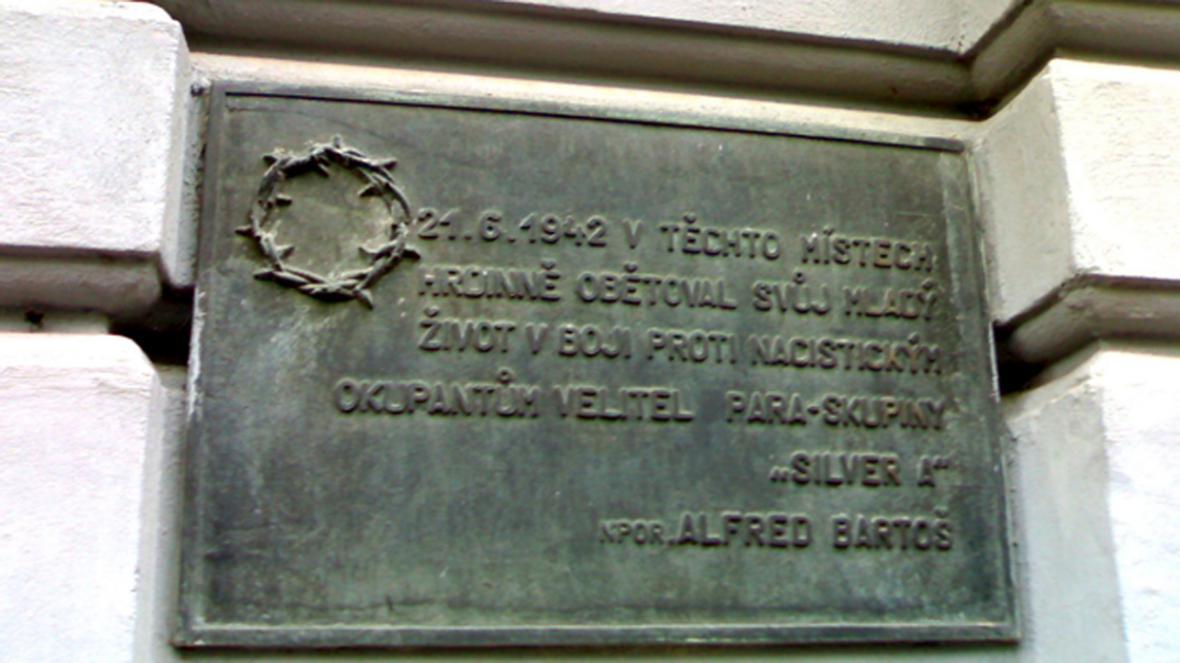 Pamětní deska Alfréda Bartoše