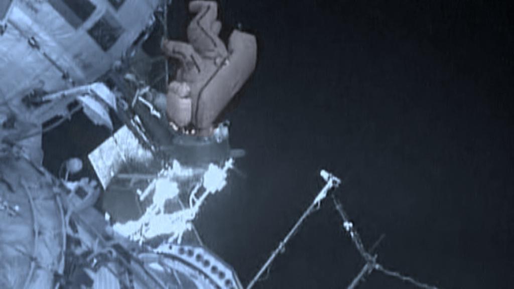 Výstup do volného prostoru na stanici ISS