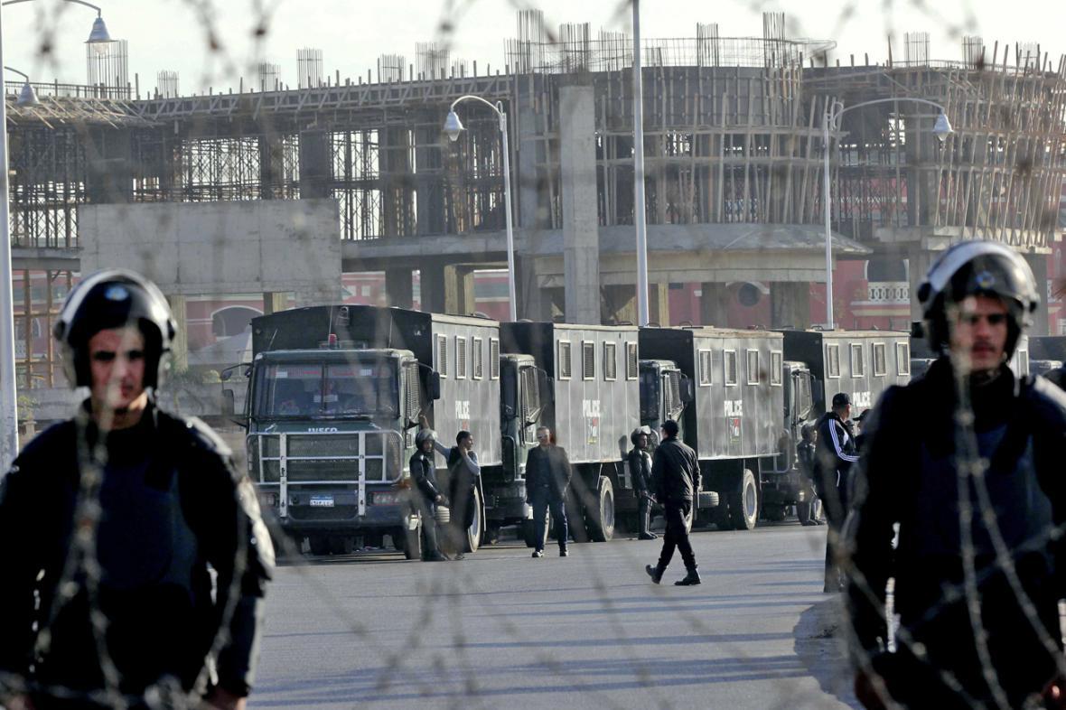 Soud s Mursím provázejí přísná bezpečnostní opatření