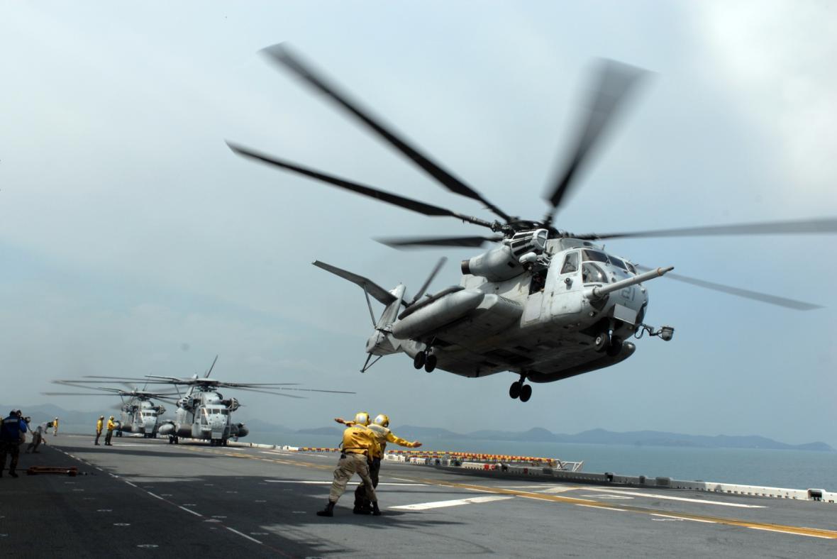 Helikoptéra MH-53E Sea Dragon