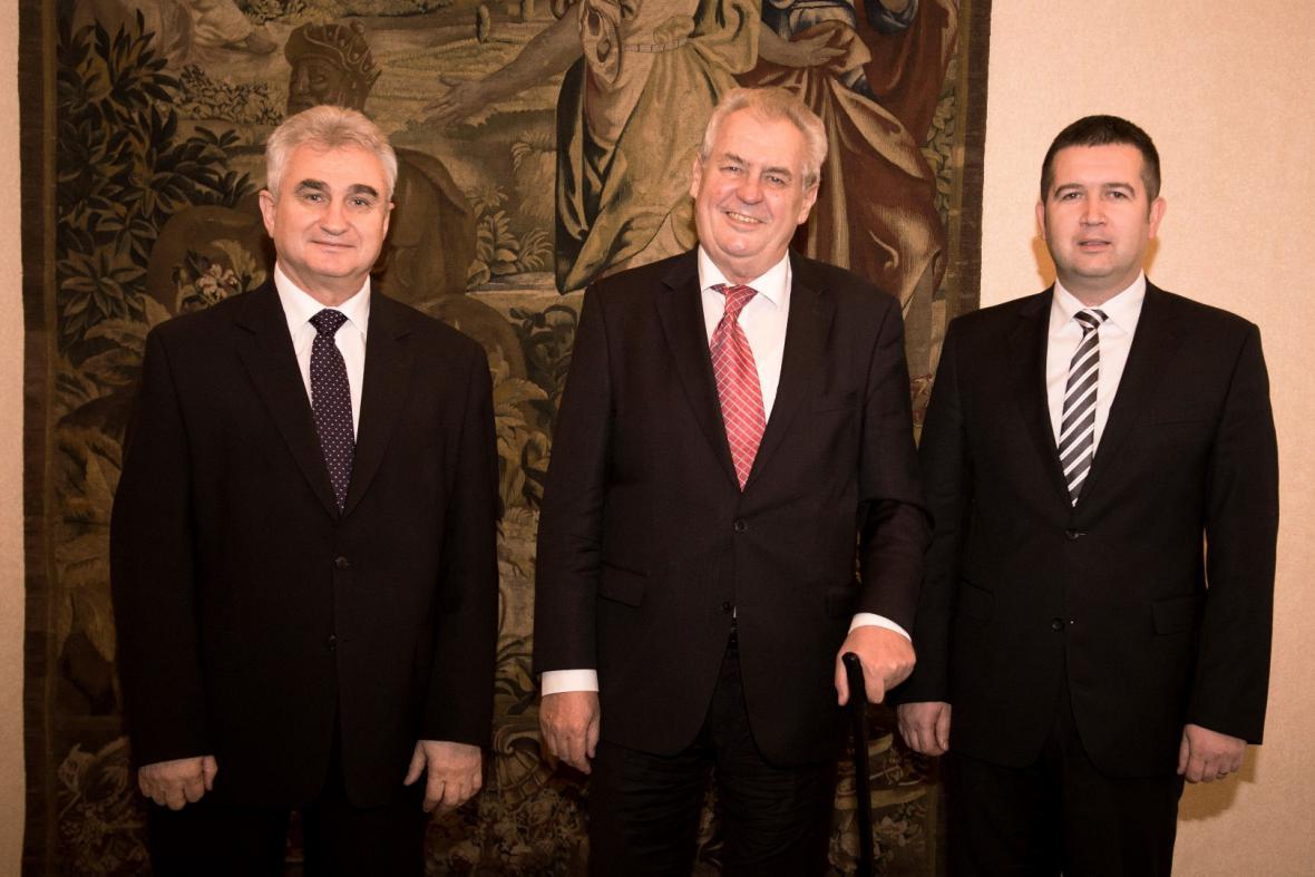 Zeman se sešel na novoročním obědě s předsedy obou komor parlamentu