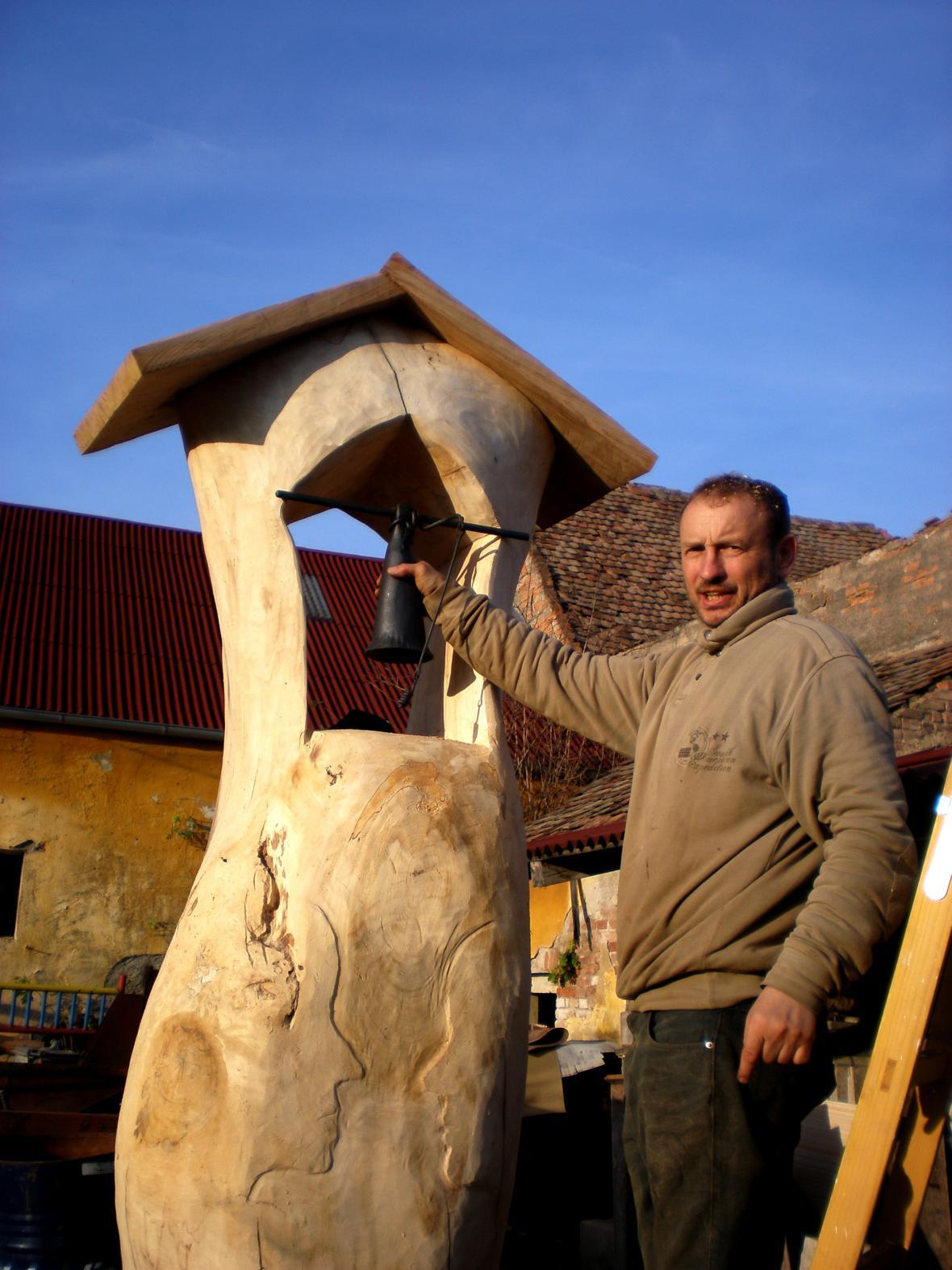Nová zvonička v Košticích