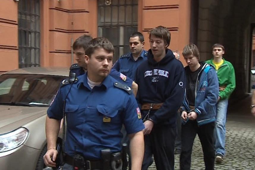 Trojice podezřelých z vraždy jihlavské školačky