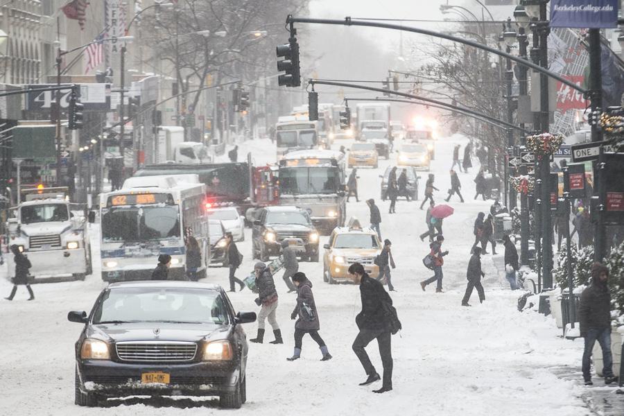 Sníh na Páté Avenue v New Yorku