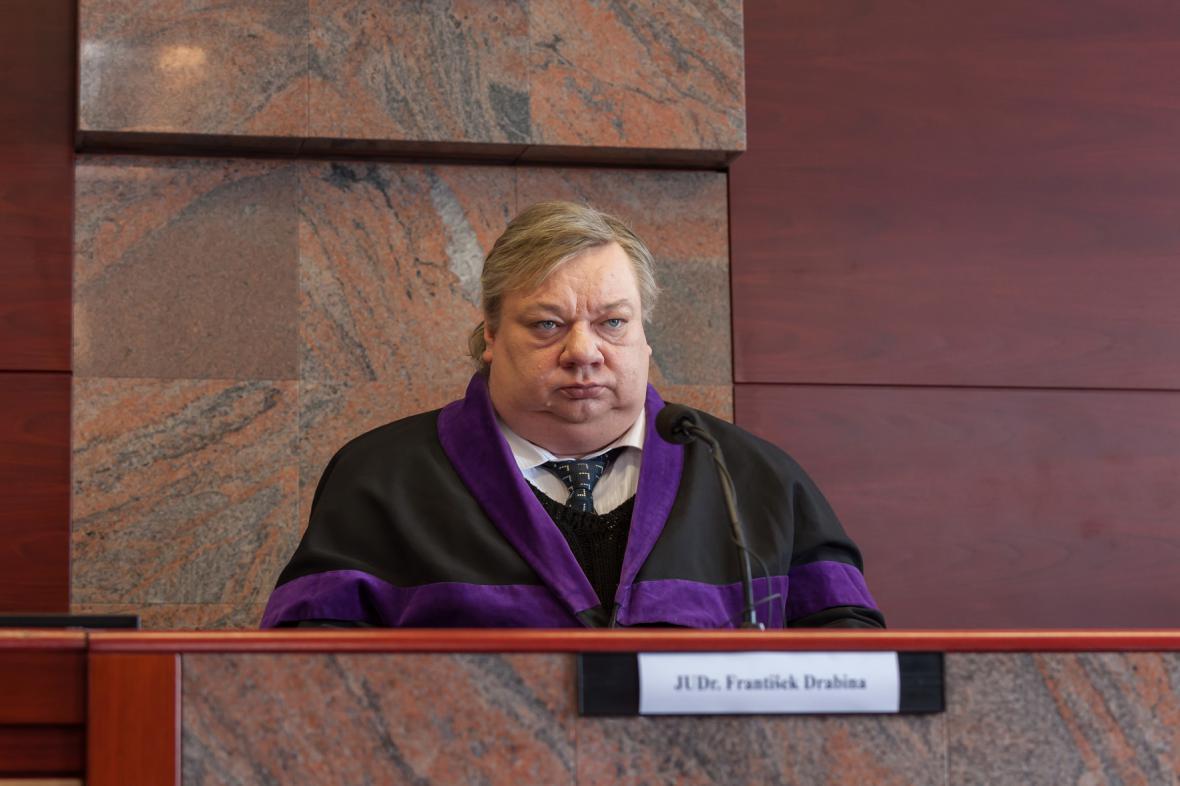 Norbert Lichý v roli soudce