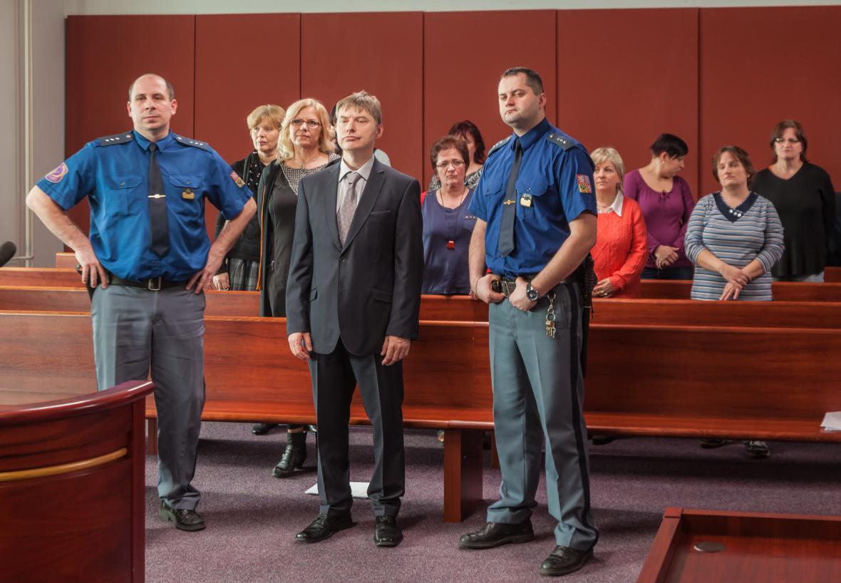 Rozsudek - Konec sňatkového podvodníka