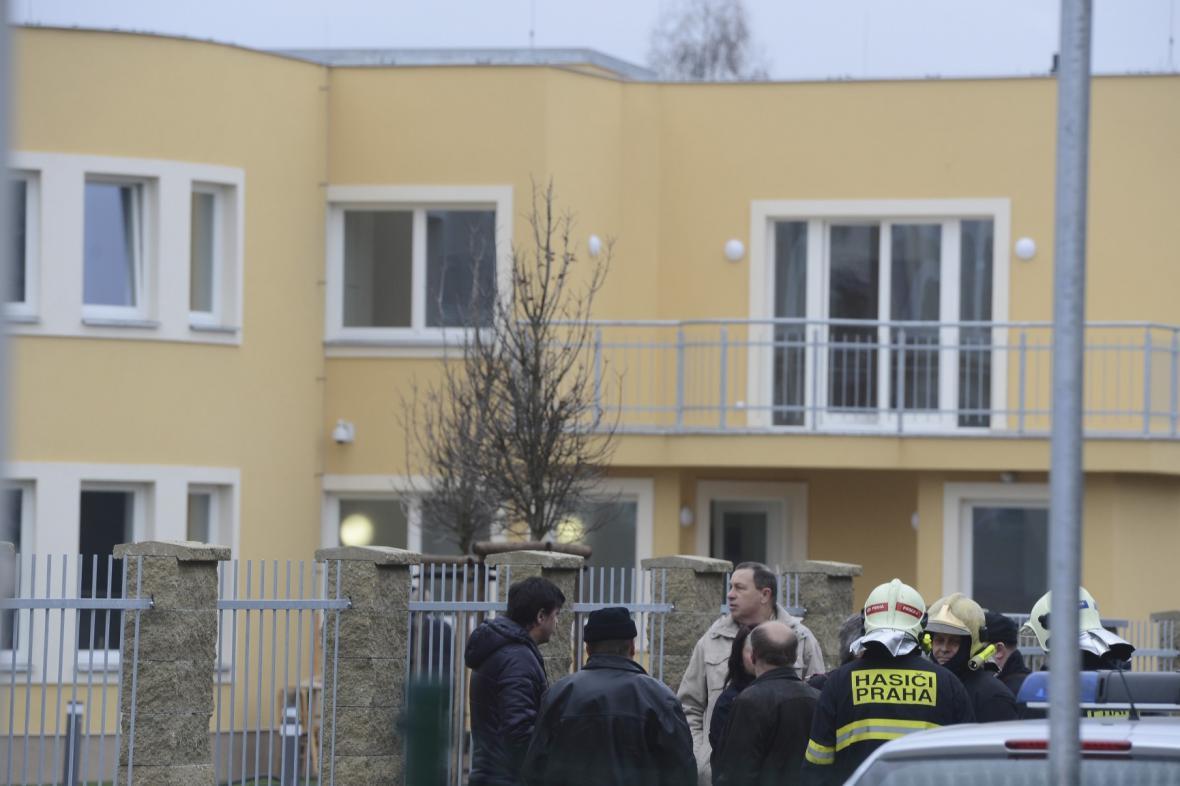 Záchranáři u rezidence palestinského velvyslance