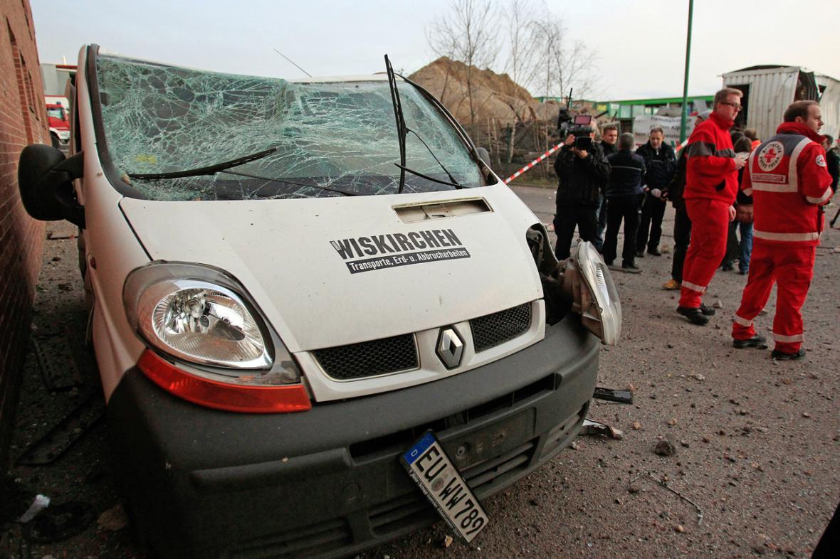 Následky výbuchu bomby v Euskirchenu