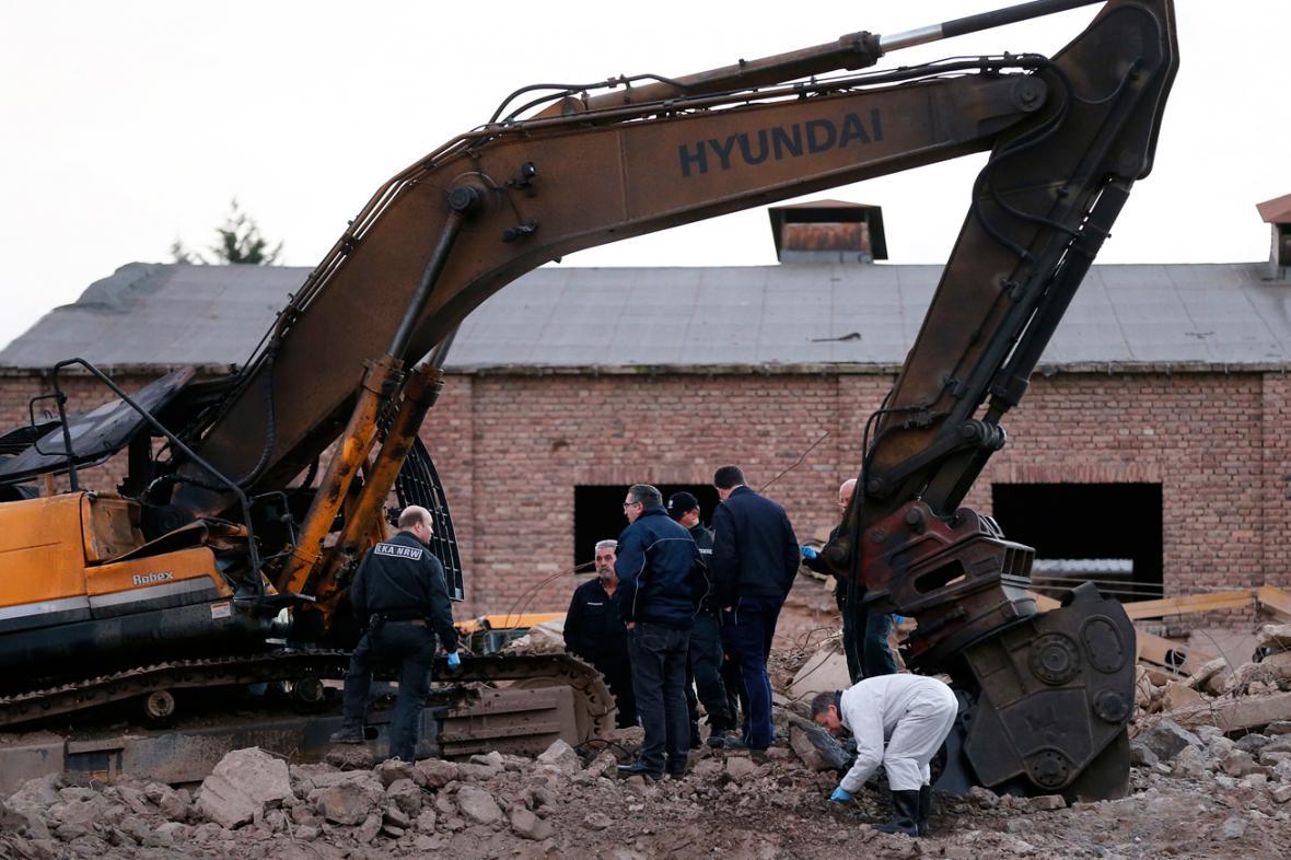 Policie vyšetřuje výbuch bomby v Euskirchenu