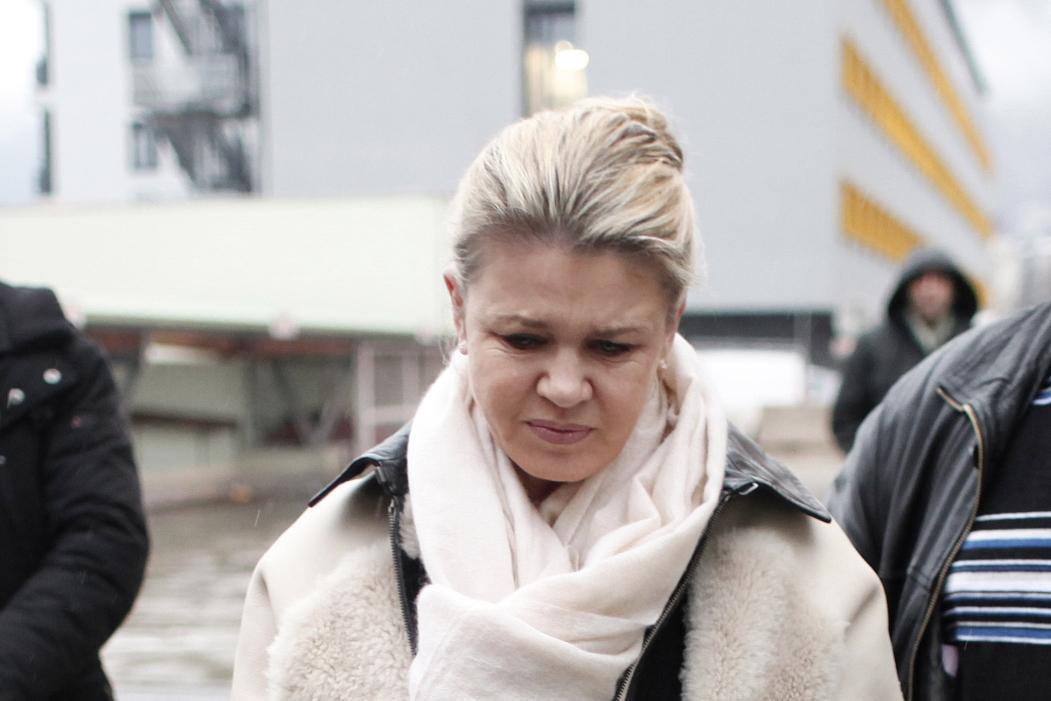 Corinna Schumacherová přijíždí do nemocnice v Grenoblu