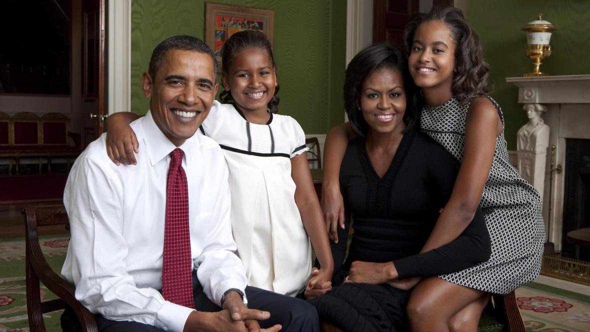 Barack a Michelle Obamovi s dcerami