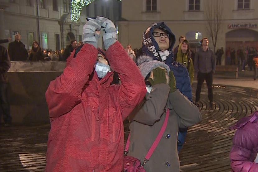 Na náměstí Svobody v Brně se sešlo několik stovek lidí