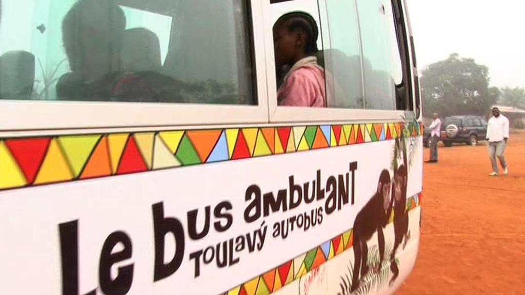 Toulavý autobus