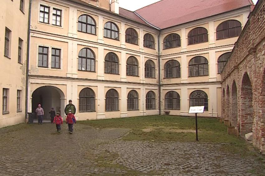 Nádvoří hradu Veveří