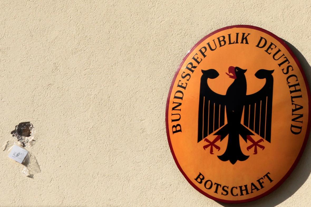 Stopy po střelbě na rezidenci německého velvyslance v Aténách