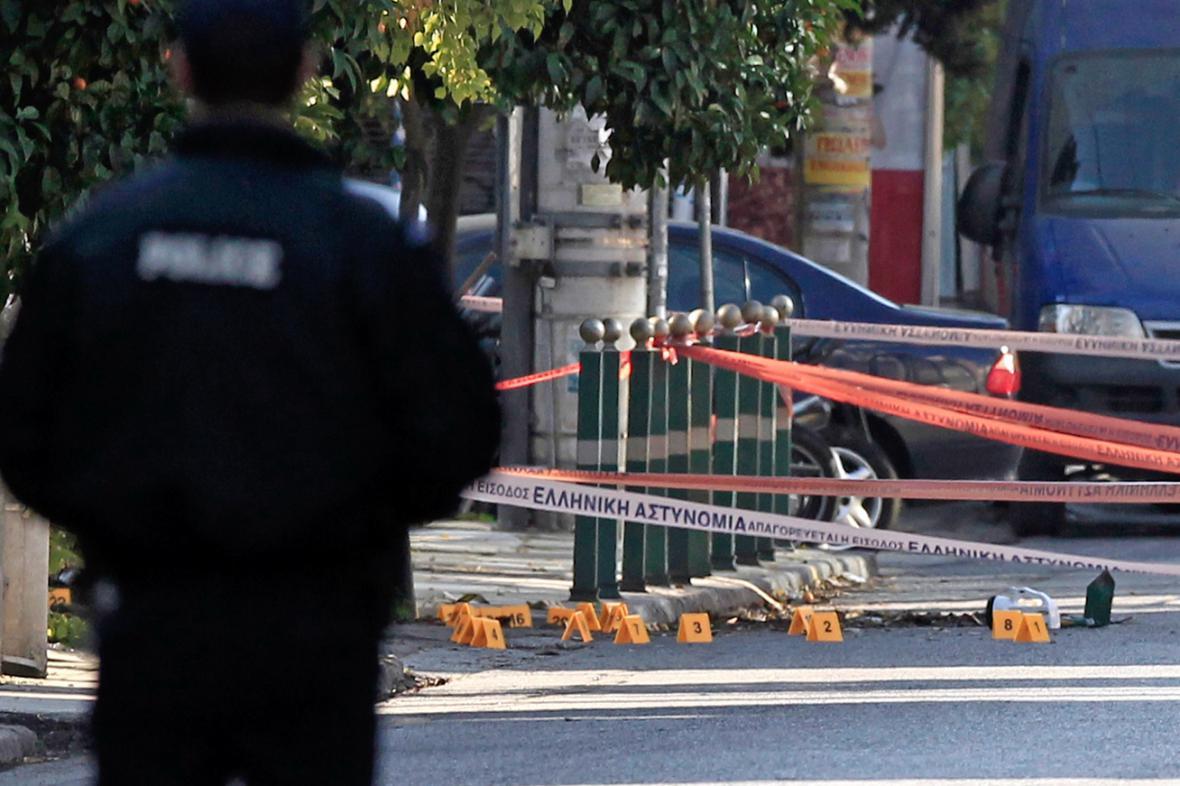 Vyšetřování střelby na rezidenci německého velvyslance v Aténách