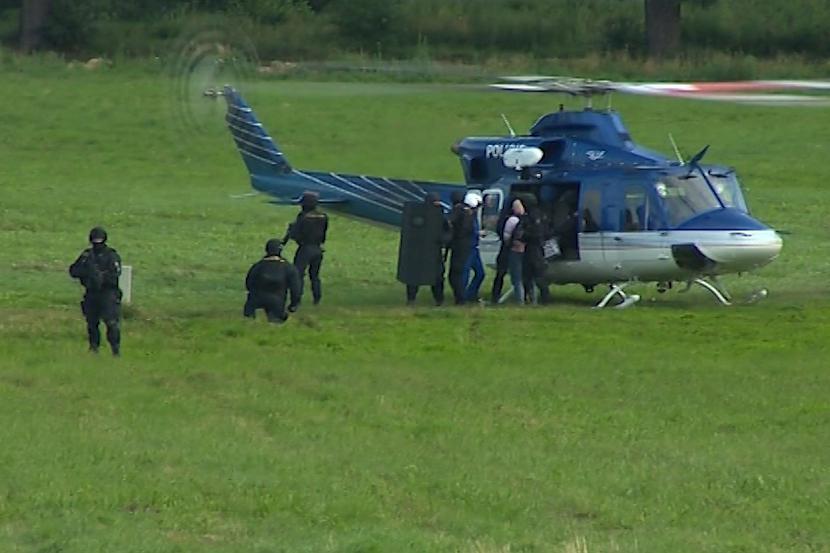 Maslák přiletěl vrtulníkem