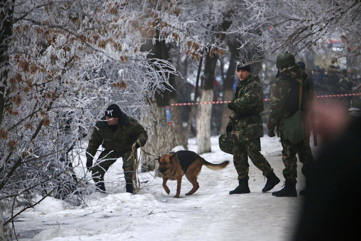 Policie prohledává okolí výbuchu ve Volgogradu