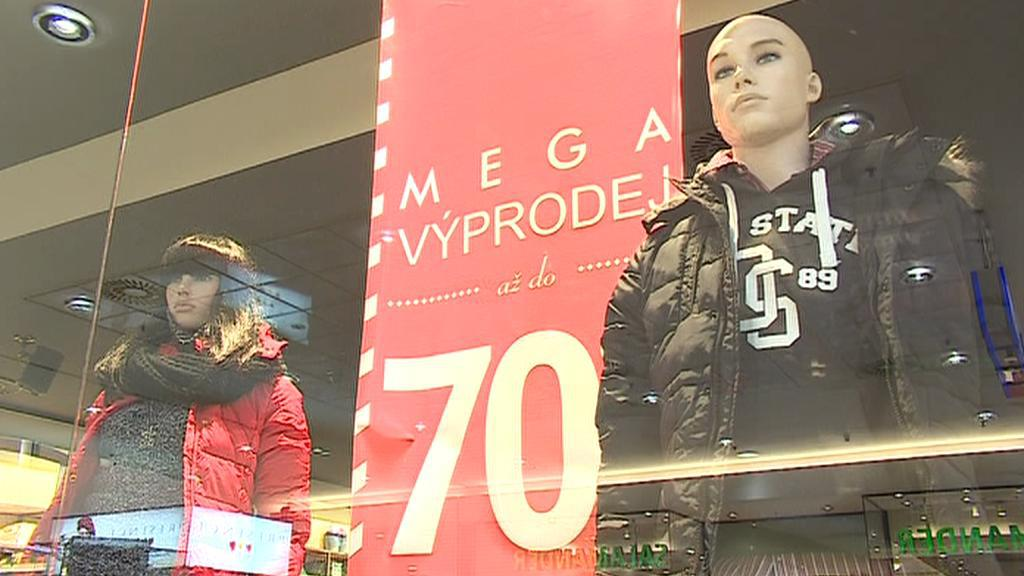 V obchodních domech začaly povánoční výprodeje